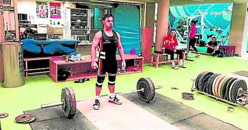 El sevillano Josué Brachi, en la imagen durante un entrenamiento, tiene el sueño de los Juegos Olímpicos.
