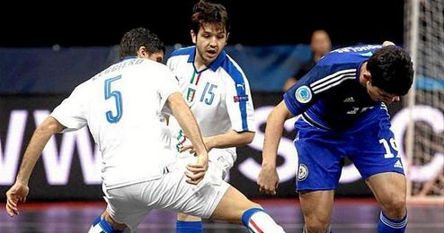 Lance de juego del encuentro entre Kazajstan e Italia.