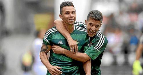 Rubén Castro celebra uno de los 10 goles que ha marcado.