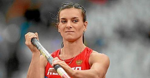 Yelena Isinbayeva durante la competición.
