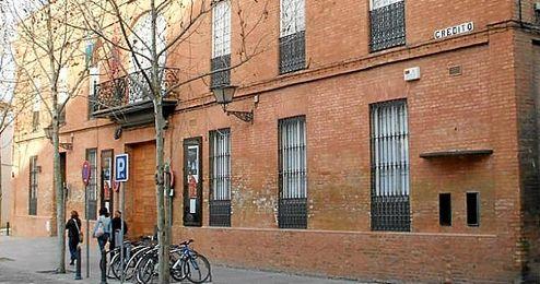 En la imagen, la fachada principal del Teatro Alameda.
