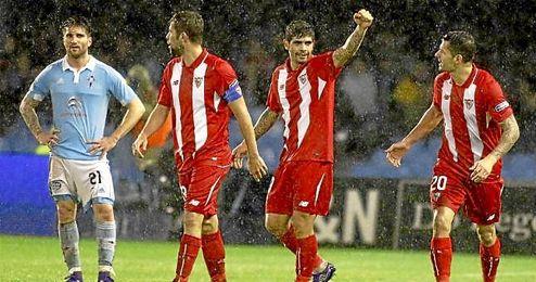 Banega celebra su gol en Bala�dos.