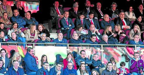Francisco Nicol�s, en la esquina inferior izquierda de la imagen.