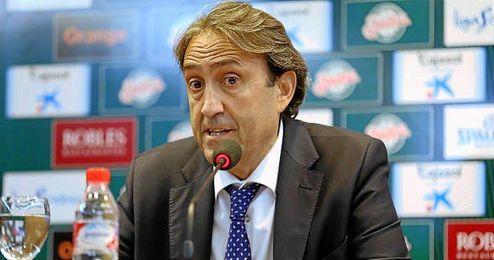 Luis Casimiro, en rueda de prensa tras un partido.