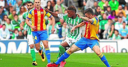 Musonda intentó 12 regates ante el Valencia y recibió cinco faltas; tónica que se repitió en Riazor.