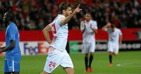 Llorente, la novedad en el once, ha anotado el primer gol.