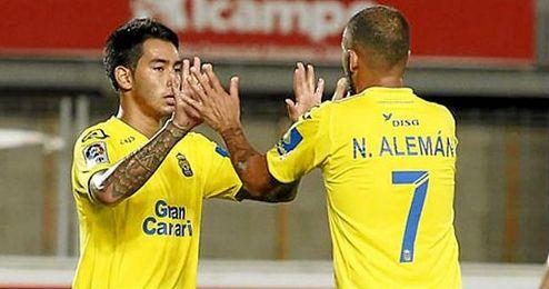 En la imagen, Nauzet y Araujo, los jugadores involucrados en el altercado nocturno.