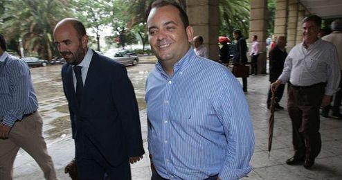 Diego Agüera saliendo de los juzgados en una foto de archivo.