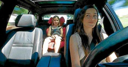 Un 38% de las mujeres admite ser m�s cauta al volante con sus hijos.