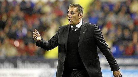 En la imagen, el ex entrenador del Granada CF, José Ramón Sandoval.