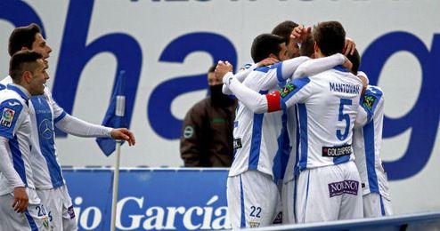 En la imagen, el conjunto blanquiazul celebrando un gol.