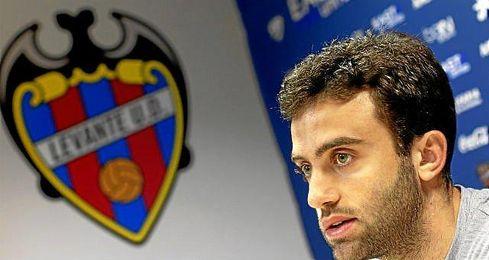 """""""Siempre voy a agradecer a la afición del submarino y a la familia Roig lo que me hicieron sentir"""", destacó Rossi."""