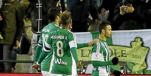 Rubén Castro hizo los dos goles verdiblancos.