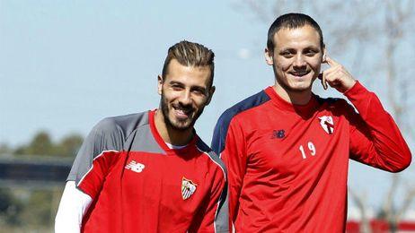 Vukcevic, en la imagen junto a Diogo, en el entrenamiento de esta tarde.