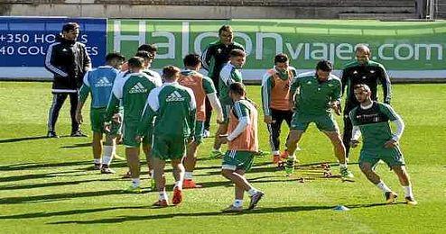 Imagen del entrenamiento de esta mañana en la Ciudad Deportiva Luis del Sol.