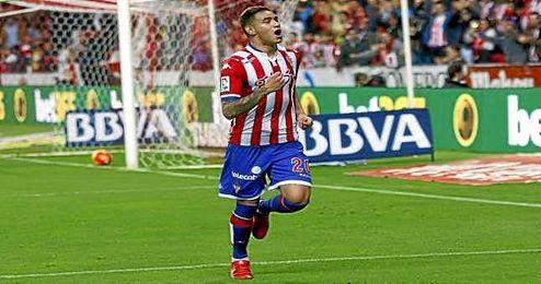 Antonio Sanabria, celebrando un gol con el Sporting.