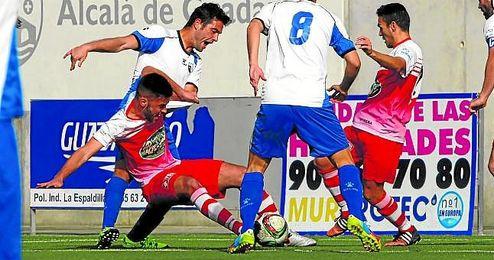 Lance del Alcal�-Utrera disputado en la presente Liga; los utreranos regresan tras descanso liguero.