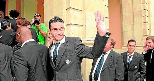 Molina, arriba en uno de los festejos post ascenso hace casi cinco a�os, dir� adi�s pronto.