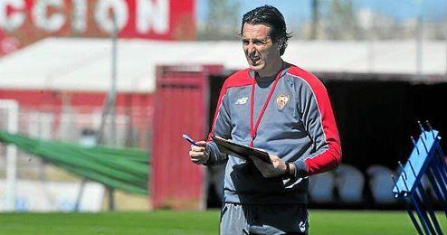 """Unai Emery vaticina un partido """"duro"""" ante el Villarreal."""