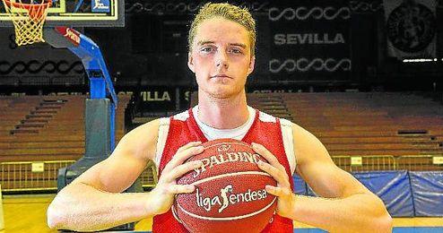 Hakanson ha disputado ya cinco partidos desde que llegó a Sevilla.
