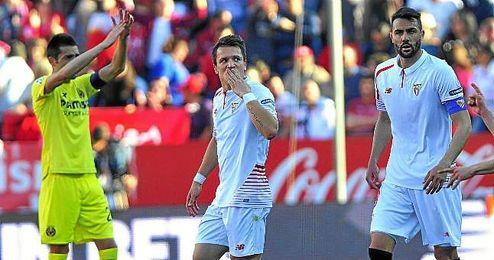 Konoplyanka celebra su golazo, que supuso el 3-2 para los de Emery.
