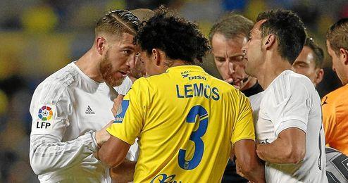 Sergio Ramos tuvo más de un roce en Las Palmas.