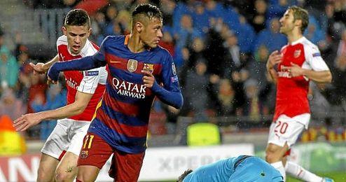 Neymar celebra el primer gol del partido ante el Arsenal.
