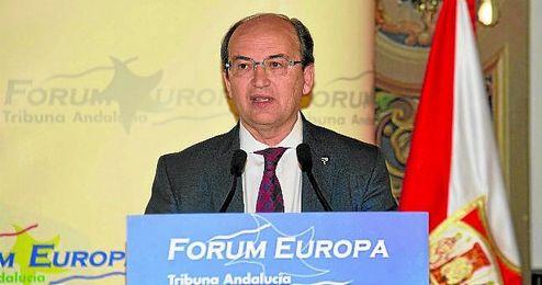 Jos� Castro acudi� ayer al F�rum Europa Tribuna Andaluc�a, celebrado en el Hotel Alfonso XIII.