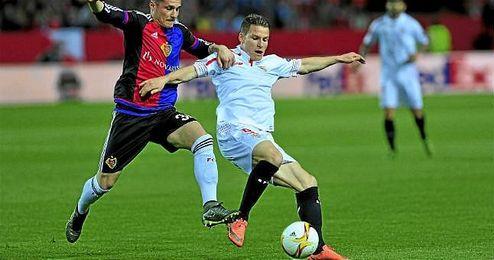 Gameiro, en un lance del Sevilla-Basilea.
