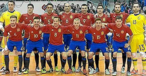 España tendrá que echar el resto en la vuelta.