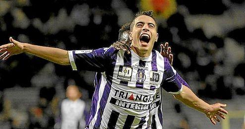 Ben Yedder celebra un gol con la elástica del Toulouse.