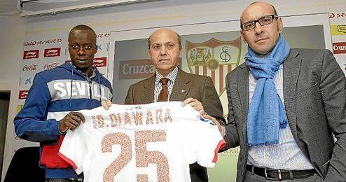 Babá llegó al Sevilla en el mercado invernal de 2012 con la ayuda de Doyen.