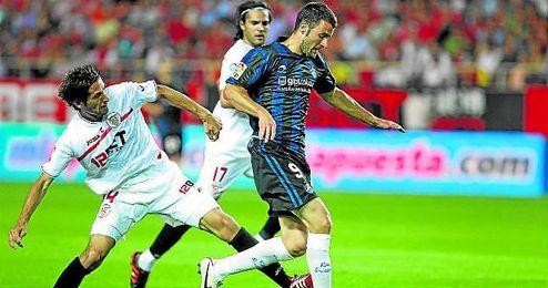 Agirretxe marcó en el Pizjuán en el 3-1 de la 10/11 y en el 1-2 de la 13/14.