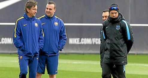 Luis Enrique dirigiendo un entrenamiento del FC Barcelona.