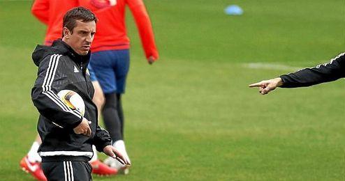 Gary Neville deja de ser entrenador del Valencia.