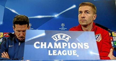 En la imagen, Gabi junto al entrenador el cholo Simeone.