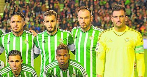 Pezzella y Westermann formaron la pareja de centrales ante Málaga y Atlético.