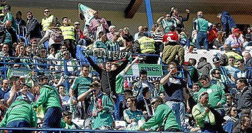 Los aficionados béticos en el encuentro contra el Atlético de Madrid.