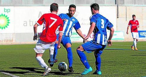 Lance del Estrella-Espele�o de la primera vuelta (1-1); ambos equipos se ven las caras esta semana.