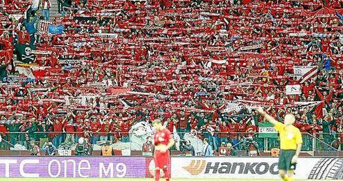 Imagen de la afici�n del Sevilla en la pasada final de la Europa League en Varsovia.