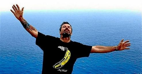 Con esta fotografía celebraba Pau Donés la superación del cáncer.