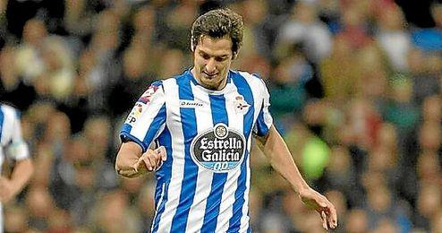 En la imagen, el jugador del Deportivo Celso Borges.