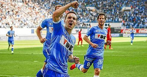 Sven Kums celebra un gol con el Gent.