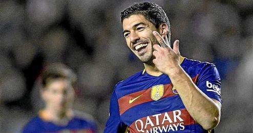 Luis Su�rez celebra un gol con el Barcelona.