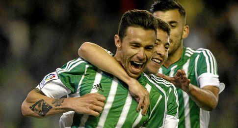Rubén Castro, celebrando el gol.