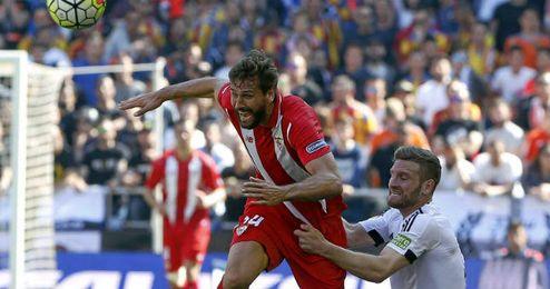 La derrota en Valencia aleja la quinta plaza.