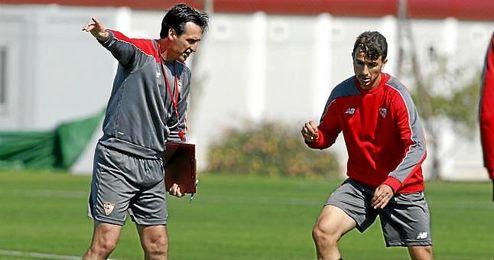 Emery, en un entrenamiento con Juan Muñoz.