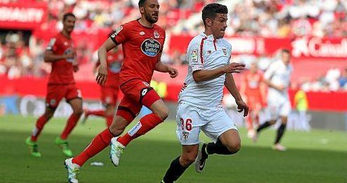 Curro, en un lance del Sevilla-Deportivo.
