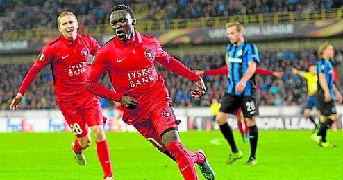 Pione Sisto celebra un gol con el Midtjylland.