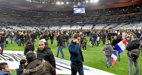 Desalojo del Stade de France.
